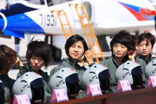 Chinese Female Pilots_pos0107
