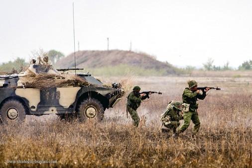 RPG-26_roquette_Russie_005_BRDM-2