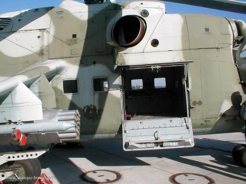 Mi-24 008_Door opened