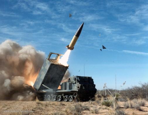 M270-MLRS-lrm-USA-003-tir