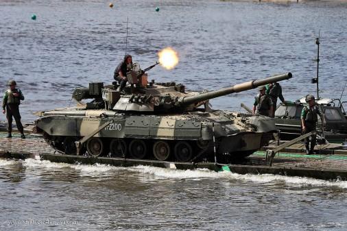T-80U-002-tir-NSVT