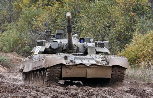 T-80U_char_Russie_003