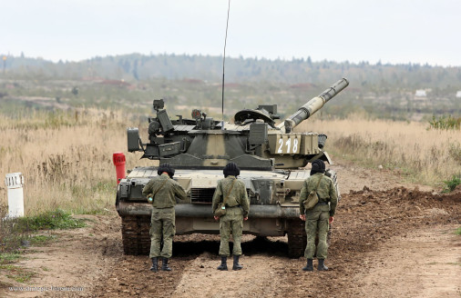 T-80U_char_Russie_006