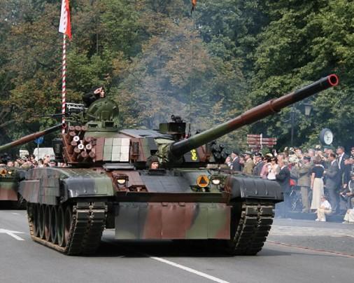 PT-91_Twardy_char_Pologne_000a