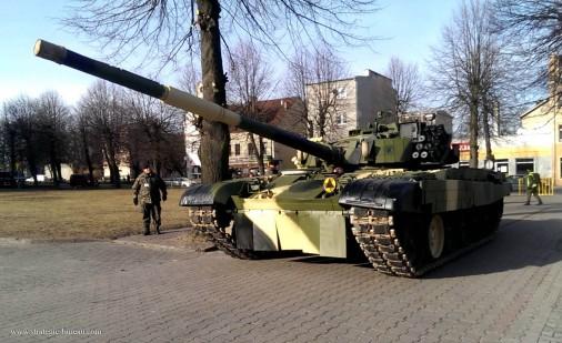 PT-91_Twardy_char_Pologne_003