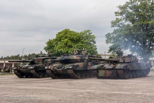 PT-91_Twardy_char_Pologne_010_Leopard-2
