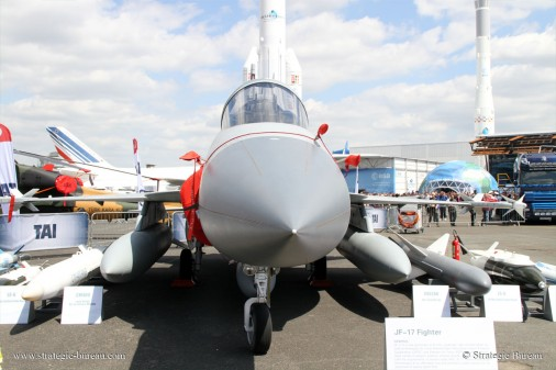 JF-17_Bourget2015 A004