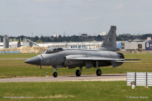 JF-17_Bourget2015 A006