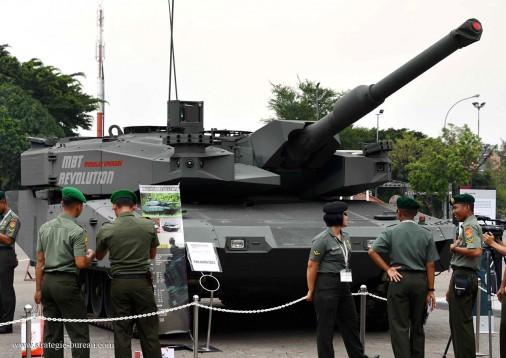 Leopard-2_Revolution A001