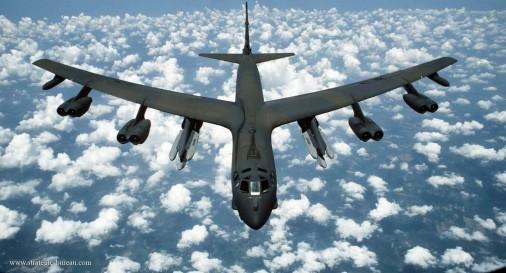 B-52_bombardier_USA_002