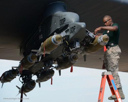B-52_bombardier_USA_007