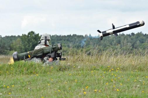 Javelin_missile_USA_004_tir