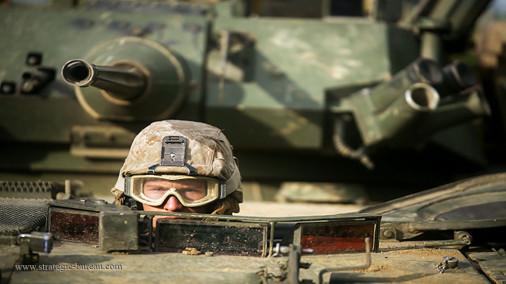 LAV-25_reconnaissance_8x8_USA_004