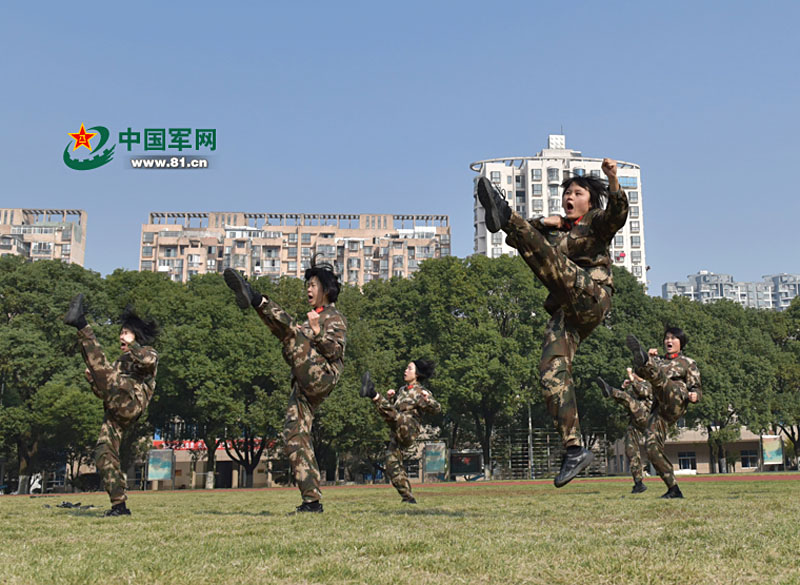 Close combat training of women in the Chinese Army | Strategic