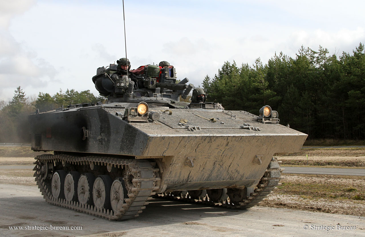 AMX-10P-001.jpg