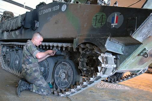 AMX-10P-008