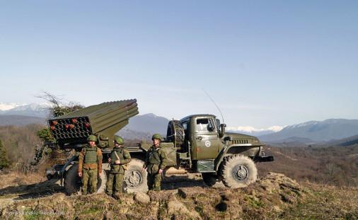 BM-21_LRM_Russie_002