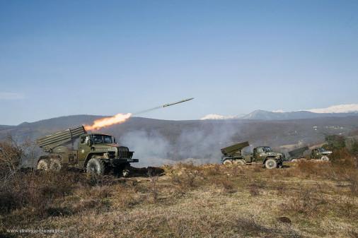 BM-21_LRM_Russie_003
