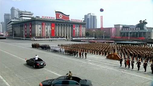 Coree-Nord-parad-001