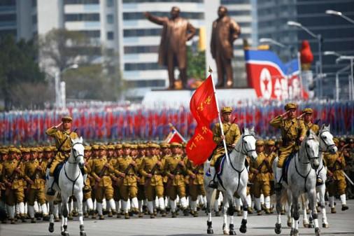 Coree-Nord-parad-002