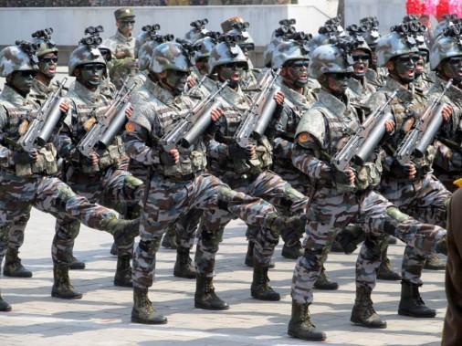 Coree-Nord-parad-005