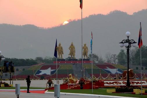 Myanmar-Defile-001