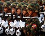 Myanmar-Defile-006