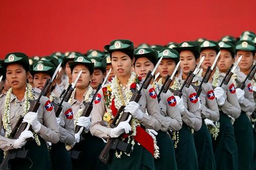 Myanmar-Defile-007