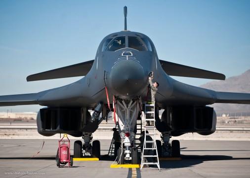 B-1B_bombardier_USA_001