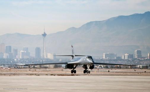 B-1B_bombardier_USA_002