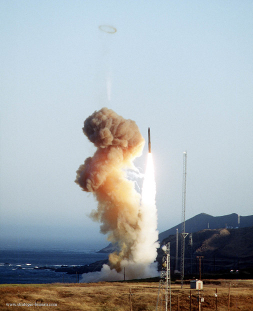 Minuteman_III_missile_USA_A202