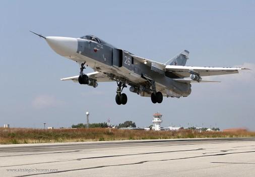 Su-24_bombardier_Russie_001