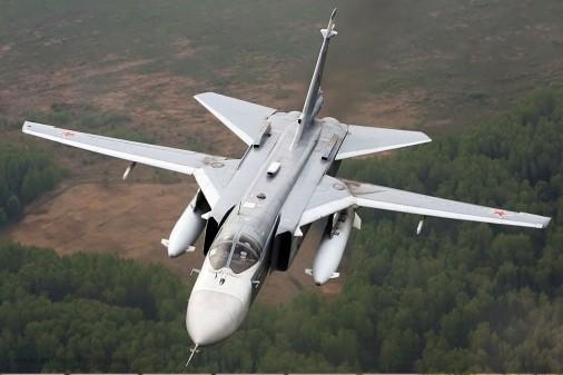 Su-24_bombardier_Russie_002
