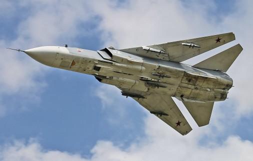 Su-24_bombardier_Russie_003