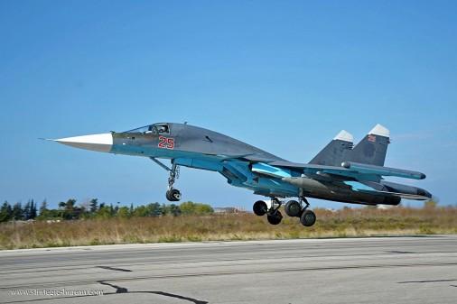 Su-34_bombardier_Russie_001