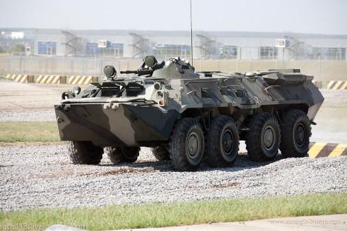 T0606_BTR-80_vbtt_8x8_Russie