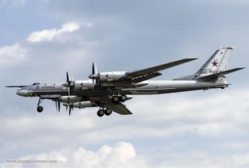 Tu-95_Bear_bombardier_Russie_002