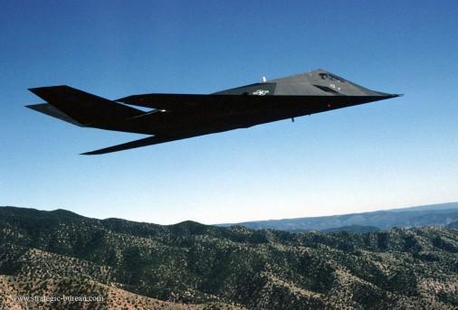 F-117_bombardier_USA_001