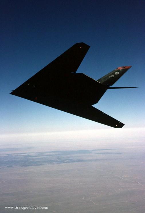 F-117_bombardier_USA_003