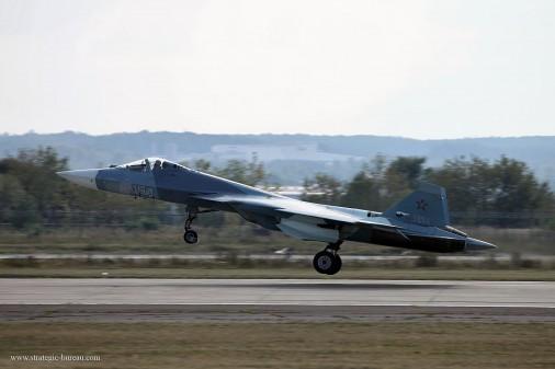 T0806_chasseurs_USA-Russie_Su-57