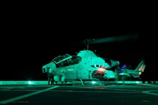 AH-1W_Super-Cobra_helicoptere_USA_010