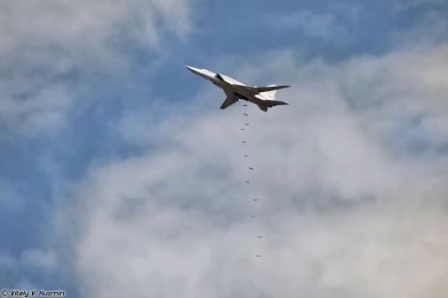 Tu-22_bombardier_Russie_004_bombes