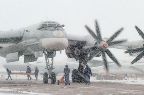 Tu-95_bombardier_Russie_A102_hiver