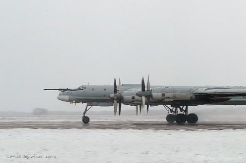 Tu-95_bombardier_Russie_A105_hiver