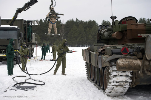 PT-91_char_Pologne_A102_Décontamination