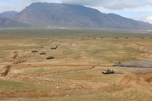 Exercice_Russie_Tadjikistan_A106_T-72_BMP-2_BTR-80