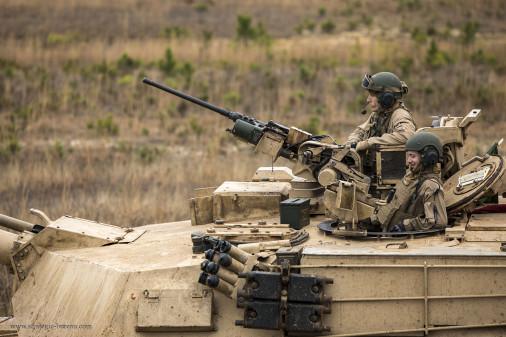 M1A1_Abrams_char_USA_A301_tir