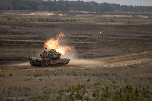 M1A1_Abrams_char_USA_A302_tir
