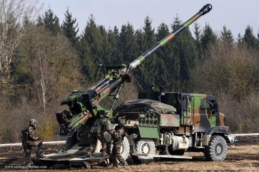 Caesar_artillerie_France_A103_tir