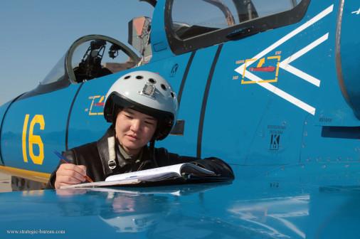 Femme_pilote_Kazakhstan_A101_L-39